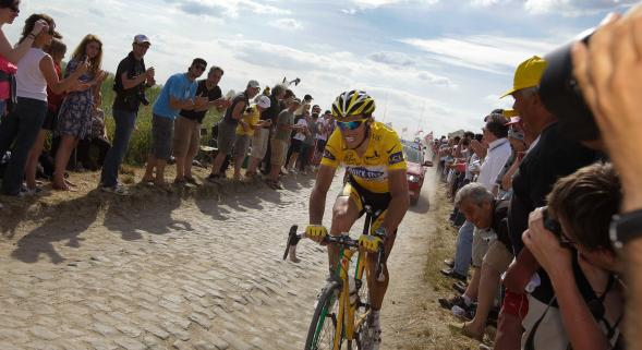 Gérard Caudron remettra un maillot à l'arrivée du Tour à Villeneuve-d'Ascq le 8 juillet. Le peloton empruntera les pavés de Paris-Roubaix le 9.